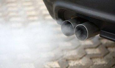 Автопроизводителей ФРГ подозревают в финансировании тестов с выхлопами на людях
