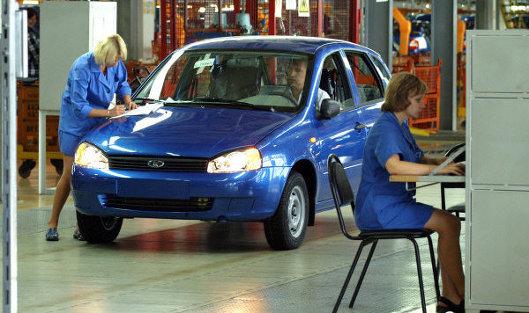 """""""АвтоВАЗ"""" в июне снизил объем продаж на 15,3% - до 49,91 тыс автомобилей"""