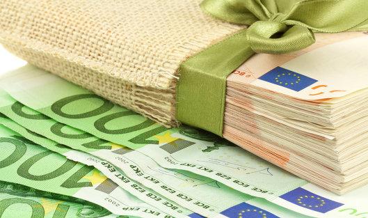 766476832 - Официальный курс евро на пятницу снизился до 63,02 руб
