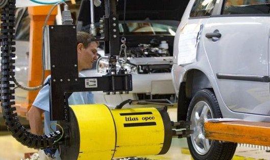 766528483 - СМИ: Автопроизводители Renault и Nissan могут объединиться в одну компанию
