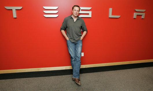 Илон Маск представил бюджетную Tesla Model 3 за $35 тыс