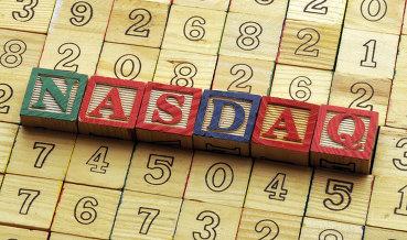 NASDAQ обновил рекорд на фоне внутренних данных и ожидания заседания ФРС