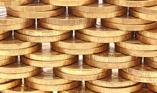 780466857 - Рубль в начале дня слабо растет к доллару и стабилен к евро