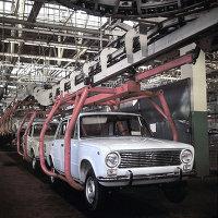 Главный конвейер Волжского автомобильного завода