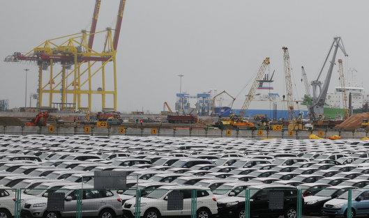 Импорт легковых автомобилей вРФ вIполугодии уменьшился на8%