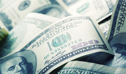 802404245 - Средневзвешенный курс доллара вырос до 60,91 рубля