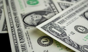 """Курс доллара на """"черном"""" рынке Венесуэлы вырос на 25% за неполную неделю, на 100% за месяц"""