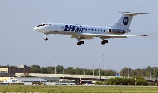 Самолет в аэропорту Внуково-2