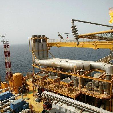 США очищают мировой рынок от иранской нефти, эксперты сомневаются в успехе