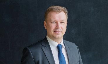 Истории роста, - Владимир Зотов,руководитель дирекции финансовых институтов и инвестиционных услуг УБРиР