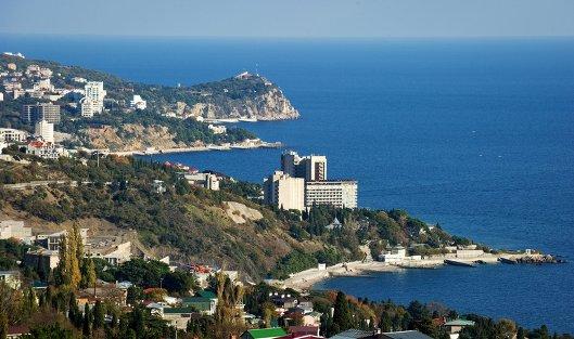 #Вид на южный берег Крыма в окрестностях большой Ялты