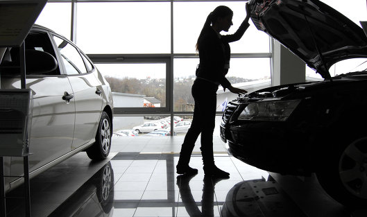 Выпуск легковых машин в РФ за 11 месяцев снизился на 9%