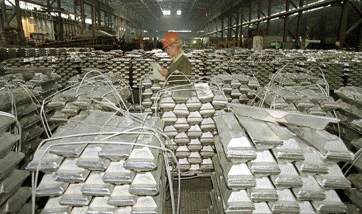 "826117435 - Glencore возобновляет закупки алюминия у ""Русала"""