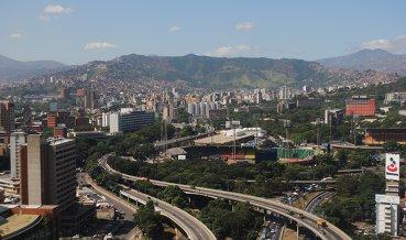 Венесуэла объявила о начале платежей по долгам PDVSA