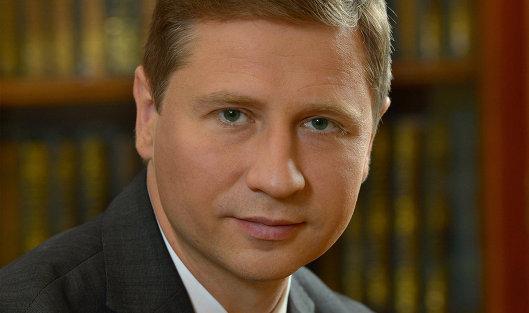 ЦБбудет снижать ставку поэтапно, объявил руководитель департамента Дмитриев