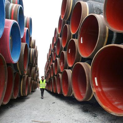 """Подготовка к прокладке труб газопровода по дну Балтийского моря в рамках реализации проекта """"Северный поток"""" в порту Визби на острове Готланд"""