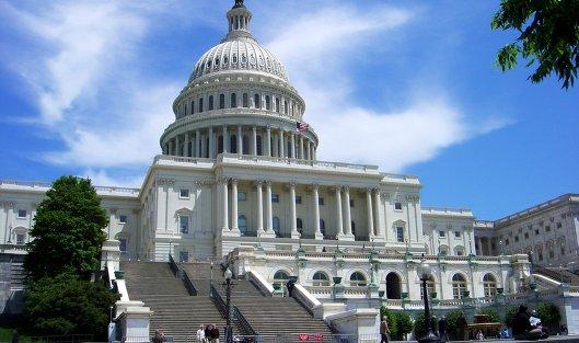 """827683419 - Сенаторы США потребовали у банков информацию о фигурантах """"кремлевского доклада"""""""