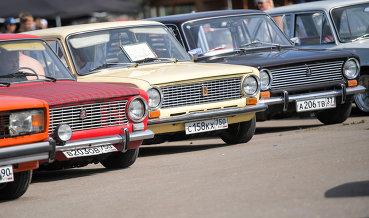 Кабмин планирует выдавать льготные кредиты иностранным покупателям российских авто