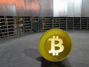 Стеллажи с фермами для майнинга криптовалют