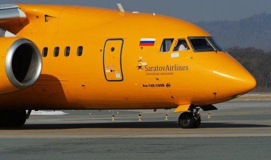 """# Самолет Ан-148-100В авиакомпании """"Саратовские авиалинии"""" в аэропорту Владивостока"""