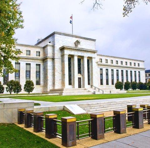 %Здание ФРС США в Вашингтоне