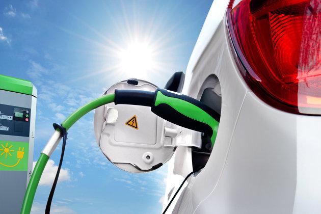 Традиционные автопроизводители вслед за Tesla начинают инвестировать в аккумуляторы