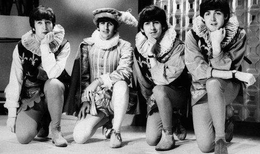 Фотографии сранних гастролей The Beatles продали нааукционе за $357 тыс.