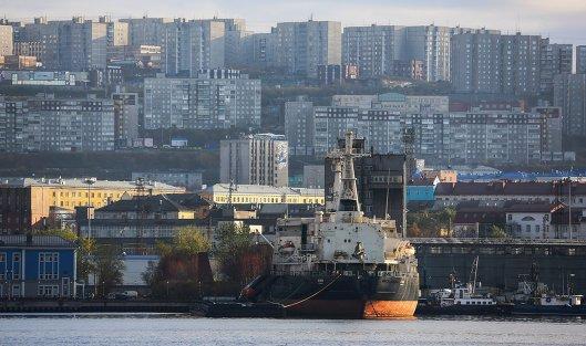 Атомный ледокол'Ленин в Кольском заливе в Мурманской области