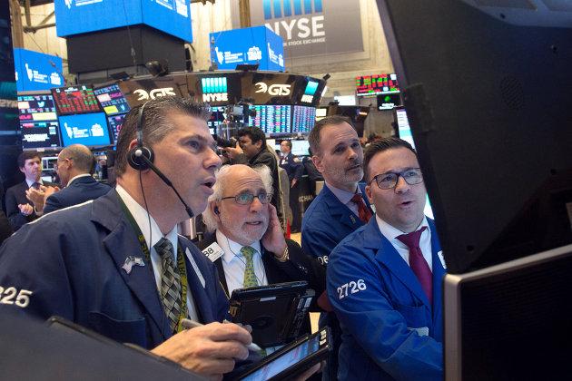 Трейдеры на Нью-Йоркской фондовой бирже. 1 марта 2018