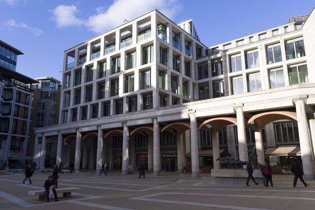Бумаги компаний России торгуются разнонаправленно на торгах в Лондоне