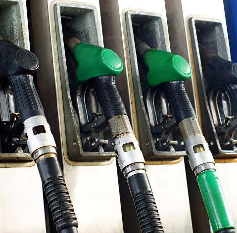 Правительство намерено ввести отрицательный акциз для нефтеперерабатывающих заводов, выпускающих бензин