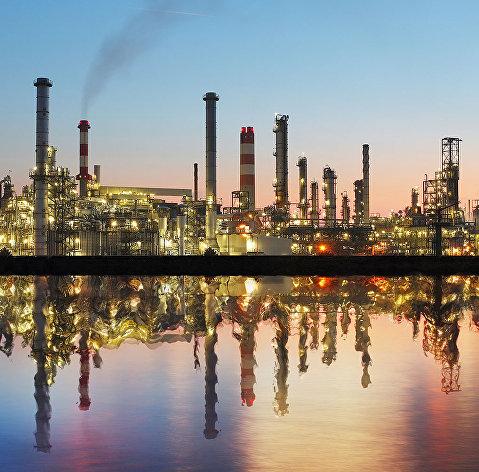 США попросили ОПЕК увеличить добычу нефти из-за высоких цен набензин
