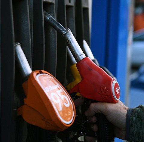 Потребление бензина в крупных городах РФ в период самоизоляции упало на 35-50%