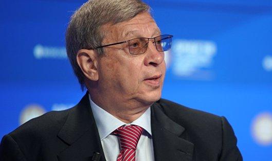 Евтушенков передал 2,5% акций АФК сыну, сократив свою долю до 61,7%