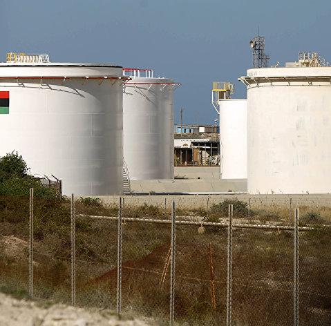 Демонстранты в Ливии заблокировали работу крупнейшего нефтяного месторождения
