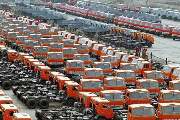 #Автомобили КамАЗ на территории завода