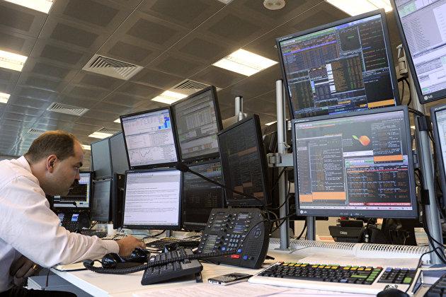 Оборот иностранными акциями на петербургской бирже вырос в сентябре