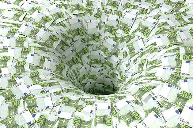 Чистый отток капитала из РФ с начала года вырос более чем в два раза