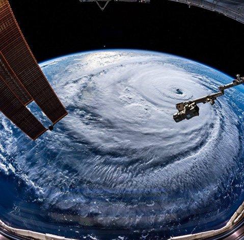 """Вид на ураган """"Флоренс"""" с МКС"""