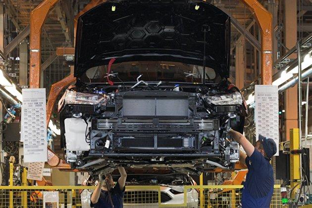 """""""Уходим с грустью"""": рабочие завода Ford в Ленобласти покидают предприятие"""
