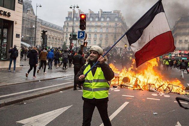 """""""Фрекзит"""" как реальность. Чем опасны """"бензиновые"""" протесты во Франции"""