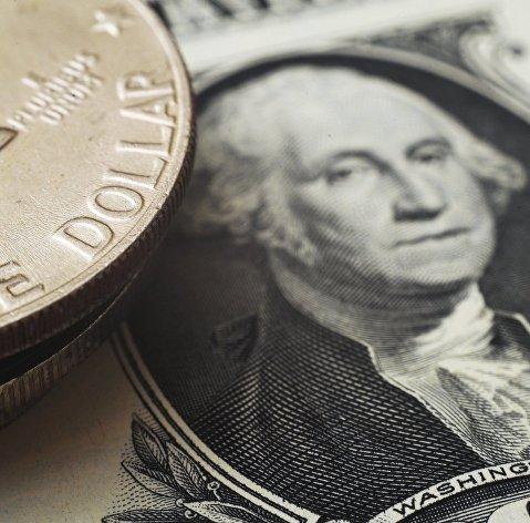 Доллар заметно укрепляется после данных о рекордном росте розничных продаж в США