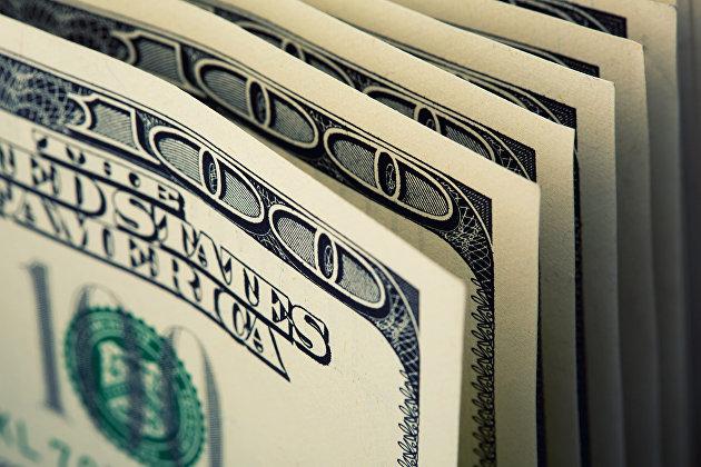 829633283 - Российские банки в августе вдвое увеличили ввоз наличных долларов