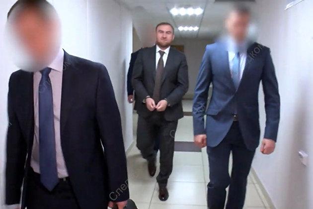 Сенатор Р. Арашуков и его отец задержаны по подозрению в ряде преступлений