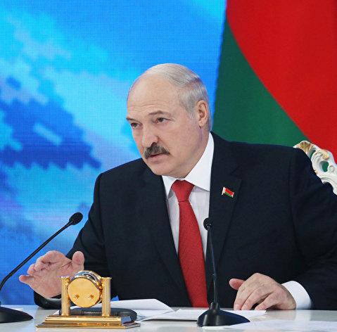 Лукашенко потребовал от совмина добиться от РФ выполнения обязательств по поставкам нефти