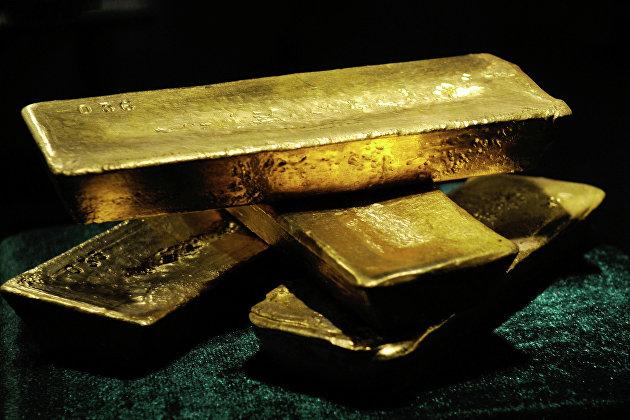 Золото на пути к сильнейшему недельному падению с сентября