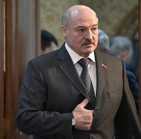 Лукашенко: РФ хочет продавать нефть Белоруссии по цене выше мировой