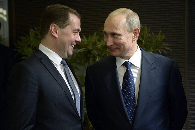 Путин и Медведев обнародовали декларации о доходах за 2018 г