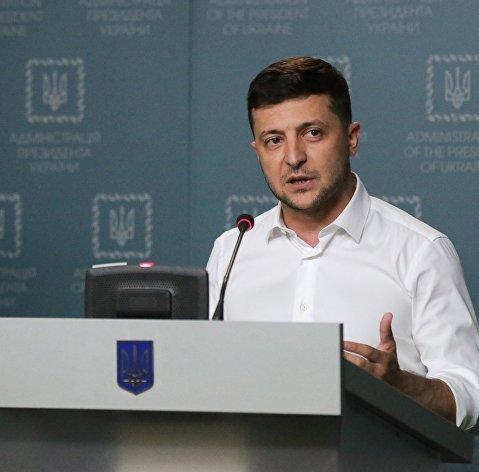 830039273 - Зеленский: Новый премьер Украины должен быть экономистом