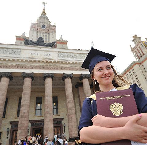 830080818 - В России возобновится выдача кредитов на образование